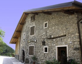 Santoni Family Welcome you - Agritur Calvola